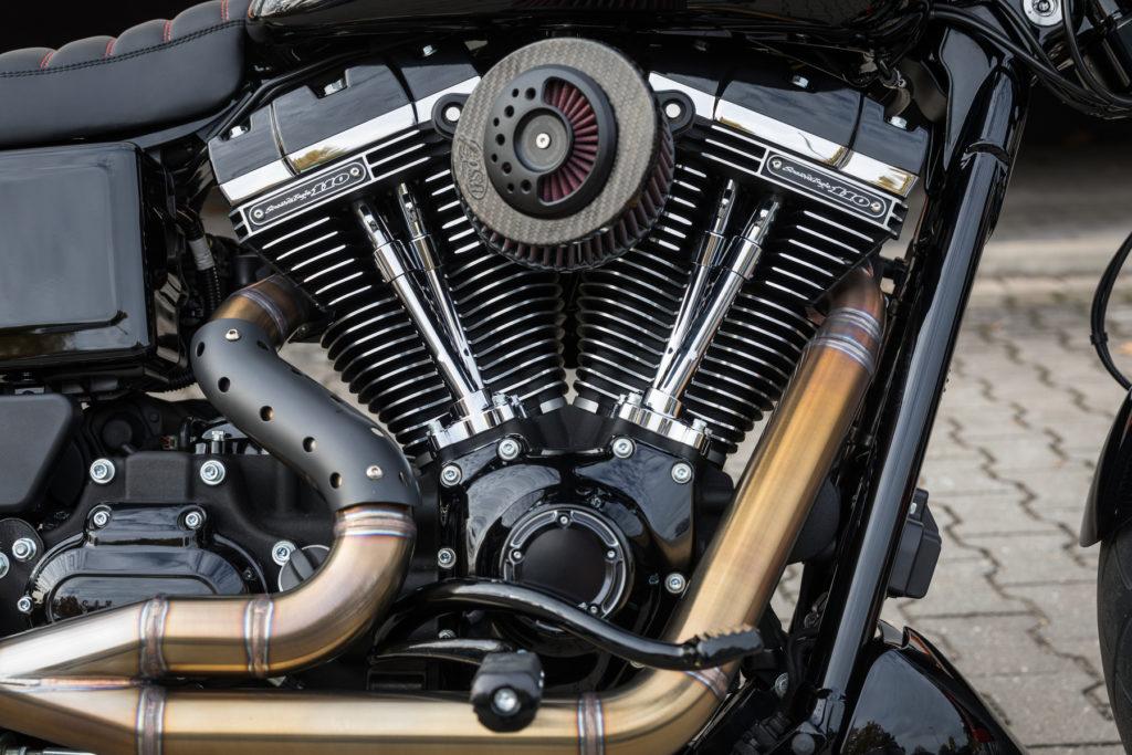Dyna Fat Bob - 110 cui Twin-Cam Motor