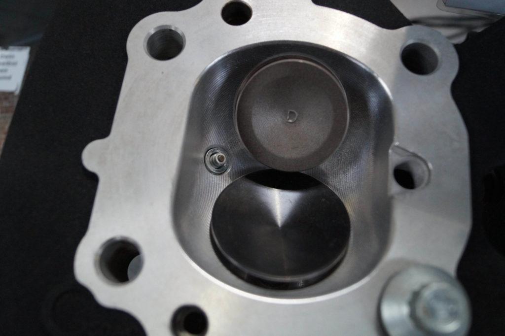 Fat Bob - Zylinderkopf mit größerem Einlassventil, Kanal- und Brennraumbearbeitung